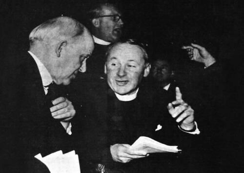 La ruptura entre los evangélicos que están en iglesias libres o independientes y los que se quedan en el anglicanismo se produce en la asamblea de la Alianza Evangélica británica de 1966.