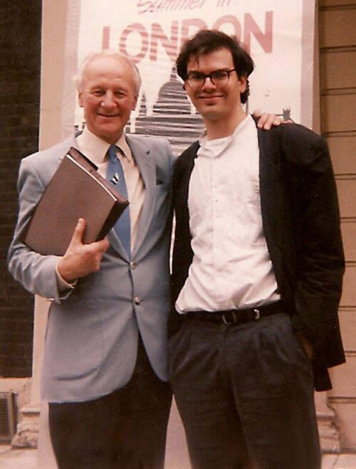 José de Segovia estudió con Stott a principios de los 80, después de ir a la iglesia de Lloyd-Jones en los 60 y volver a su círculo en los 90.