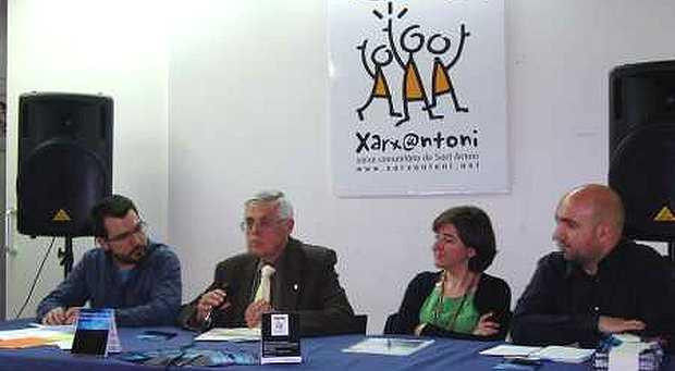 <p> Pedro Puigvert, hablando en el centro de la imagen</p> ,