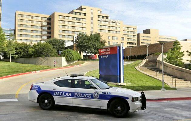 Fachada del hospital Presbiteriano de Dallas, donde se encuentra aislado el paciente con ébola en Texas. / LM Otero (AP),Dallas ébola