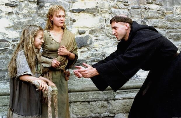 Imagen de la película 'Lutero' (2003) con Joseph Fiennes.,Lutero