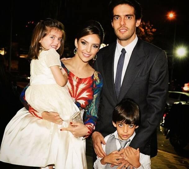 Kaká y Carol Celico, con sus hijos Luca e Isabela, en un acto este pasado 24 de octubre. / Instagram,Kaka Carol Celico