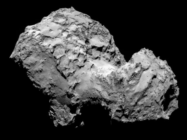 La nave Rosetta orbita alrededor del cometa.