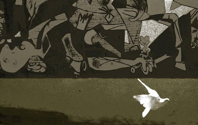 """© Manuel López. Barrio de Portugalete, Madrid, verano de 1975. De la exposición antológica itinerante (disponible) """"Manuel López. Imágenes 1966-2006"""". (detalle),Guernica"""