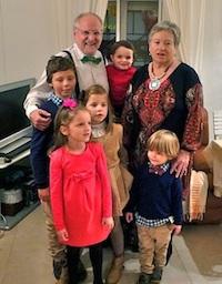 Con sus nietos, en diciembre de 2013.