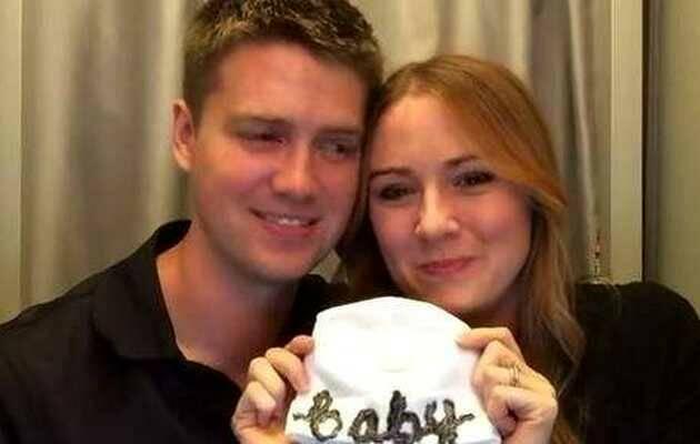 Jessica Devins sorprende a su marido dándole la noticia de su paternidad,Jessica Devins