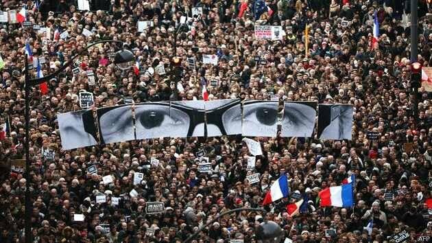 La manifestación recorriendo las calles de París / BBC,manifestación, París