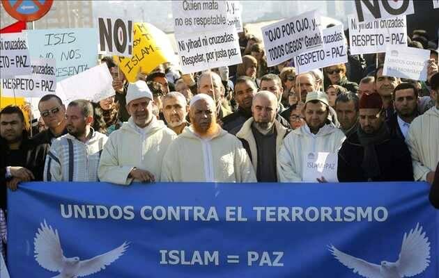 Concentración en la Puerta del Sol de Madrid contra los atentados de París / RD,islam, manifestación anti terrorismo