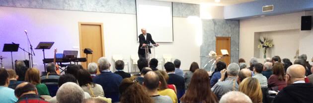 José de Segovia, hablando sobre 'cómo deberíamos relacionarnos con el nuevo Catolicismo'. ,José de segovia Catolicismo