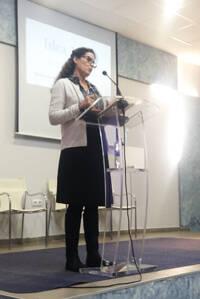 Carmen Delia Medina, presentando avances en la comisión de Bioética.