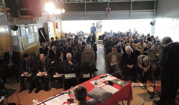 Momento de oración durante la Asamblea Anual, celebrada el pasado 4 de marzo. / Actualidad Evangélica,ferede historia protestante