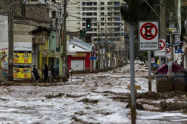 Calles de Copiapo, totalmente inundadas.,