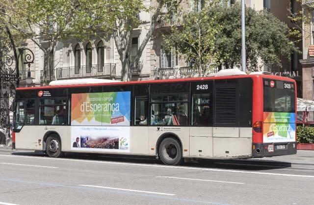 Un autobús en Barcelona con publicidad del evento. / Fb Festival de la Esperanza,