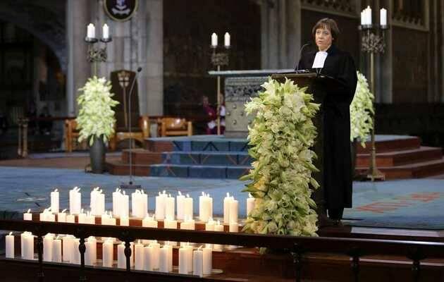 La presidenta de la Iglesia Evangélica de Westfalia, Annette Kurschus,  durante el funeral en Colonia (Alemania) por el accidente de Germanwings el pasado 17 de abril / EFE,Iglesia Evangélica Westfalia, Annette Kurschus
