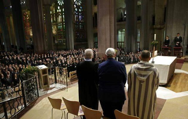 Representantes de las confesiones judía, evangélica y musulmana, en el funeral de Estado. / EFE,