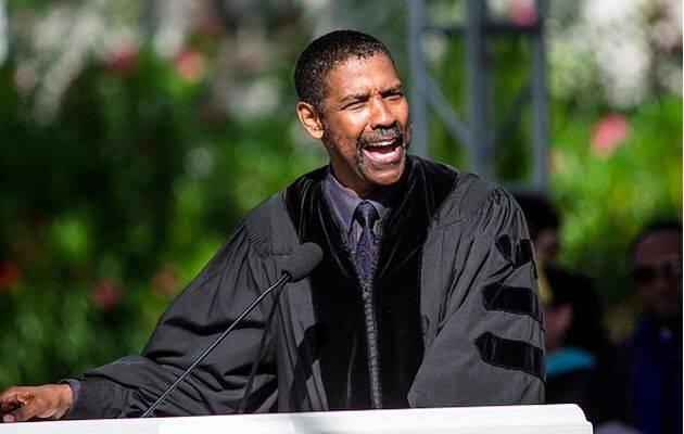 Denzel Washington, durante la graduación en la Universidad Dillard (Nueva Orleans),Denzel Washington, Universidad Dillard