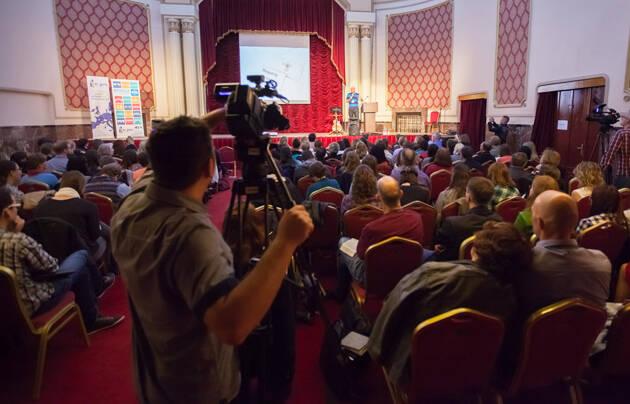 una de las sesiones generales en la Brigde Conference, en Bucarest. / EFN,