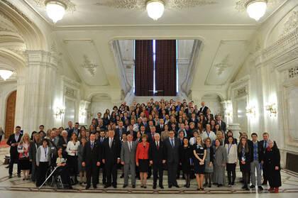 Políticos y representantes de la sociedad civil se encuentran con el European Freedom Network, en el Parlamento rumano. / EFN