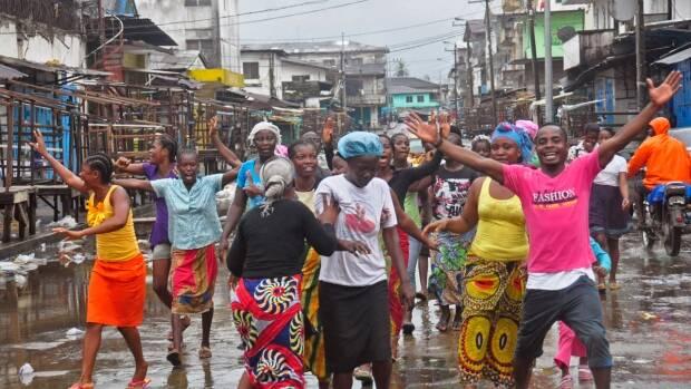 Libre del ébola, los liberianos salieron a las calles a celebrar.,ebola liberia