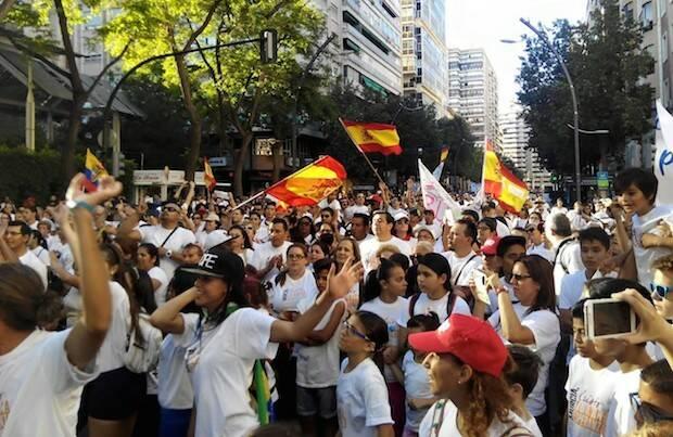 Imágenes de la marcha en Murcia, este pasado sábado. / CEMU,españa oramos por ti 2015