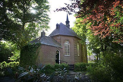 Su padre fue pastor de la Iglesia Reformada en Zundert (Holanda), 20 años