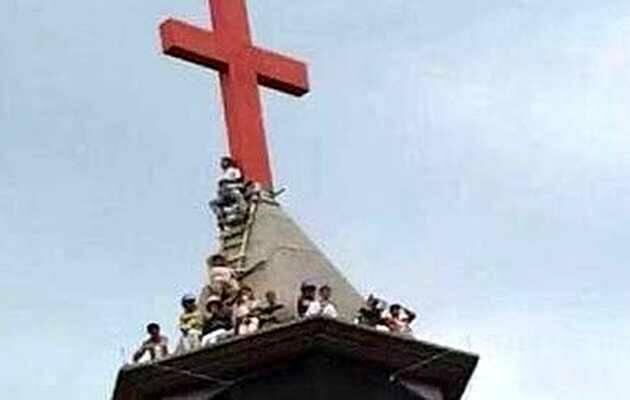 Cristianos en el tejado de la iglesia Jinjiaer (Huzhou, China),iglesia Jinjiaer, Huzhou