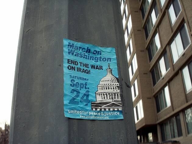 Cartel de una marcha de protesta contra la guerra en Washington. Foto: Daniel Lobo (Flickr,CC),guerra de Irak