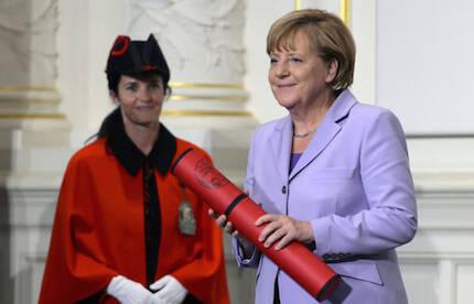 Angela Merkel, en la Universidad de Berna. / ELF