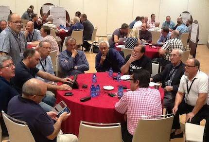 El grupo de españoles que asistió al encuentro.