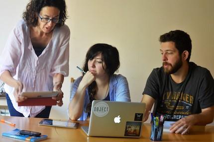 Natum, trabajando en equipo. / Jordi Torrents