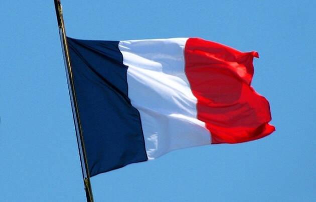 Francia ha sufrido un grave ataque terrorista que ha conmocionado el país. ,france, flag
