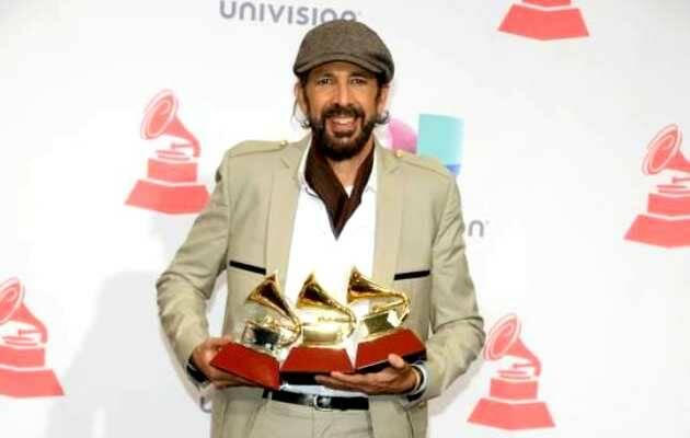 J.L. Guerra con sus Grammy,Juan Luis Guerra, Latin Grammy