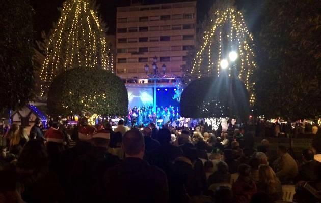 Un momento del concierto en la Plaza del Altozano / Lucia González,Coro Gospel, Albacete