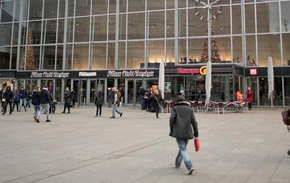 La plaza frente a la estación de Colonia. ,colonia alemania