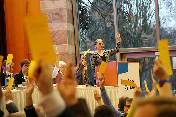 Votación en el sínodo de la Rheinische Evangelische Kirche, este 15 de enero. / REK,voto matrimonio gay alemania