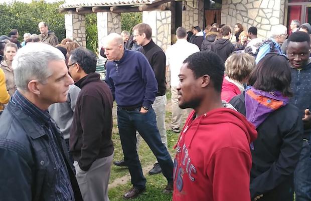 Un grupo de refugiados cristianos del campo de Mineo (Sicilia, Italia) pudieron reunirse con los asistentes a la conferencia. / Joel Forster,refugiados sicilia