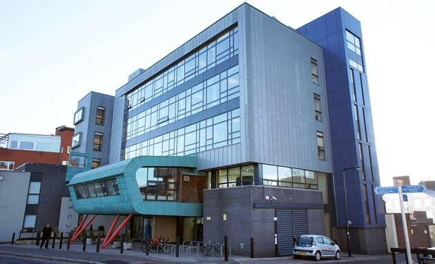 Universidad de Sheffield.,