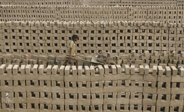 Imagen de archivo de un horno de ladrillos, en India. / Reuters,horno de ladrillos, india, esclavitud
