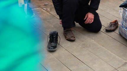 Hay mucha necesidad de zapatos masculinos. / Rebost Solidari