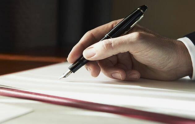 """Esta carta escrita a """"unos Diputados me resulta casi imposible"""".,"""