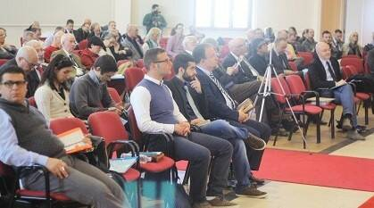 Parte del público asistente a la asamblea de la AEI. / J. Forster