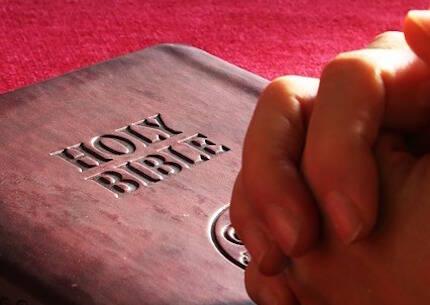 Los  'más religiosos' son los que dicen orar cada día y asistir a los servicios religiosos cada semana.