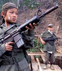 <p> Se calcula que hay unos 300.000 ni&ntilde;os soldados en el mundo.</p> ,