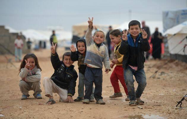 Niños en un campamento de refugiados en Europa / Getty,niños refugiados, campamento refugiados