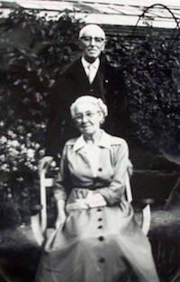 Edmundo Woodford y Helen.