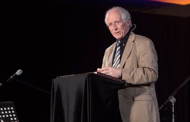 John Piper, predicando este lunes en la plenaria. / FOCL,john piper