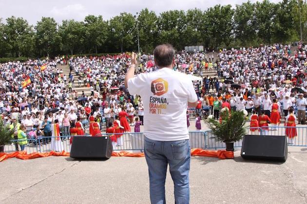 El parque Tierno Galván acogió el año pasado el acto principal de España Oramos Por Ti en Madrid. / MGala,españa oramos por ti Madrid