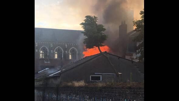 El edificio, en llamas. / Nord Littoral