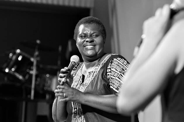 Mamah Deborah, de Coro Safari de Uganda. / Foto: Jordi Torrents,safarichoir, uganda
