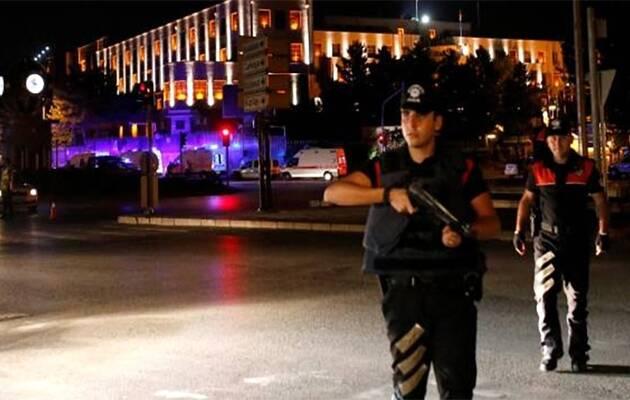 Policías cerca de un cuartel militar en Ankara, Turquía,Golpe Estado, Turquía